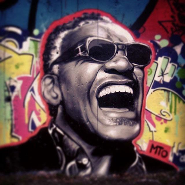 street-art-graffiti-by-mto-10