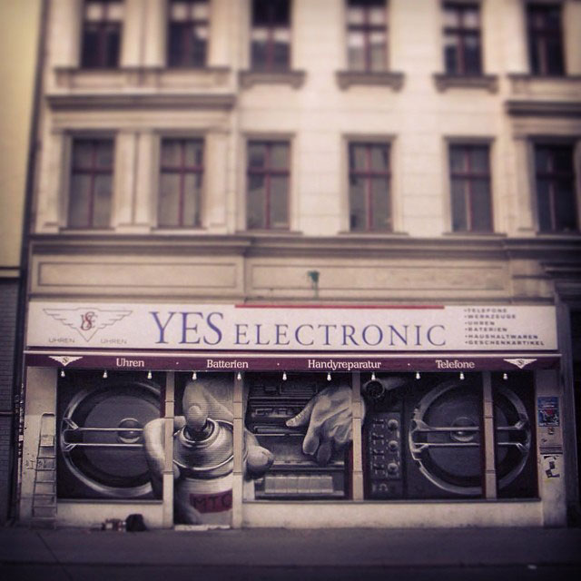 street-art-graffiti-by-mto-12