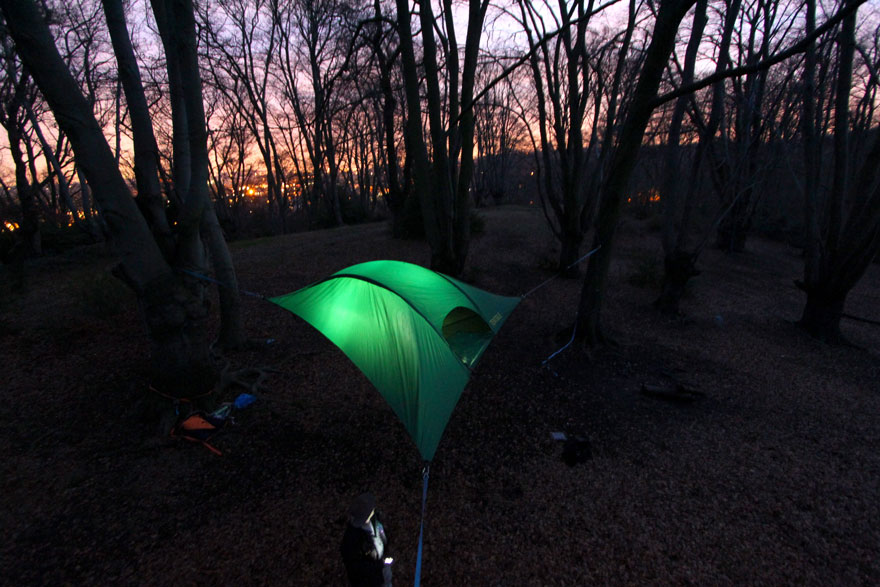 suspended-treehouse-tent-tentsile-alex-shirley-smith-5