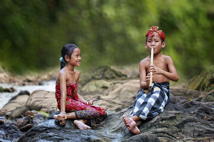village-life-indonesia-herman-damar-14