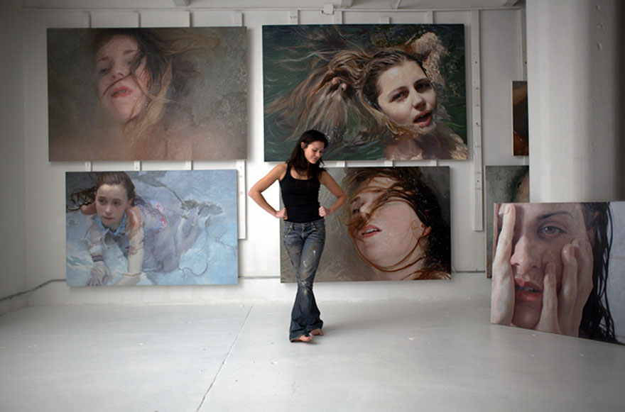 hyper-realistic-paintings-alyssa-monks-11