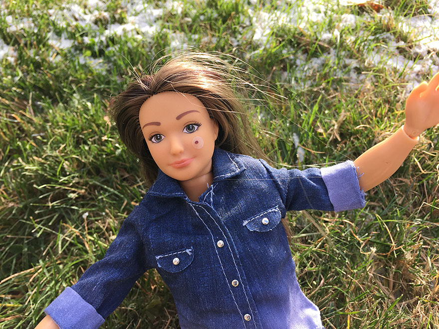 lammily-normal-barbie-body-mark-stickers-nickolay-lamm-3