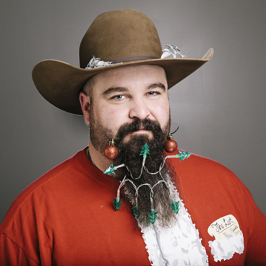 The-Twelve-Beards-of-Christmas12__880