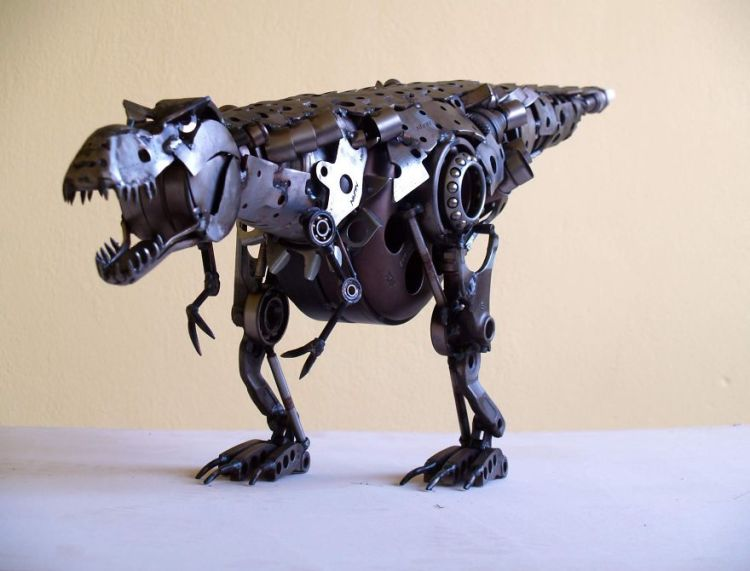 Wonderful-sculptures-created-with-recycled-motorbike-parts-14__880-750x571