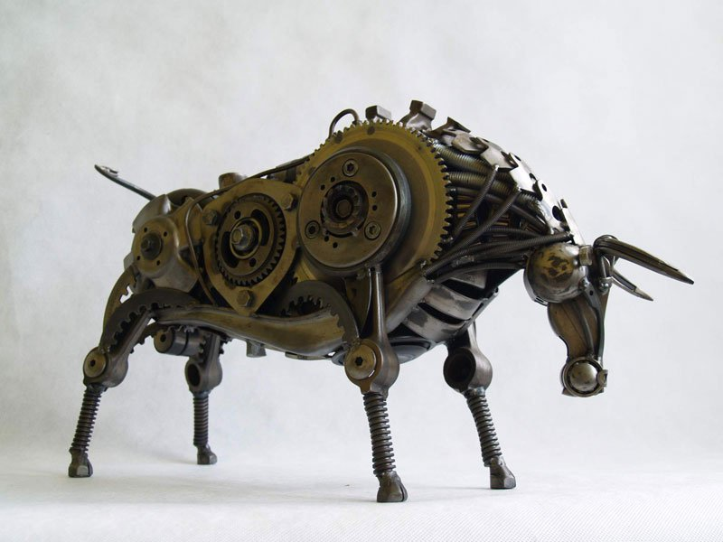 tomas-vitanovsky-makes-animal-sculptures-out-of-scrap-metal-1