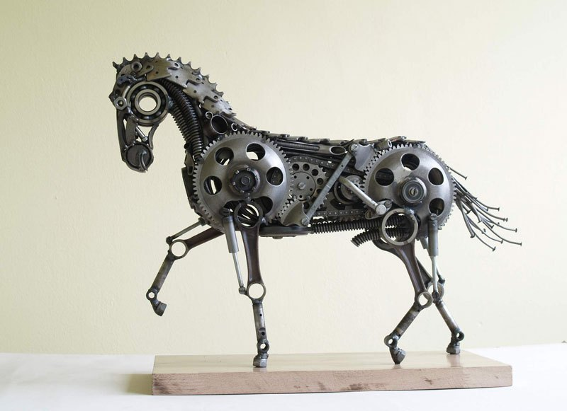 tomas-vitanovsky-makes-animal-sculptures-out-of-scrap-metal-9