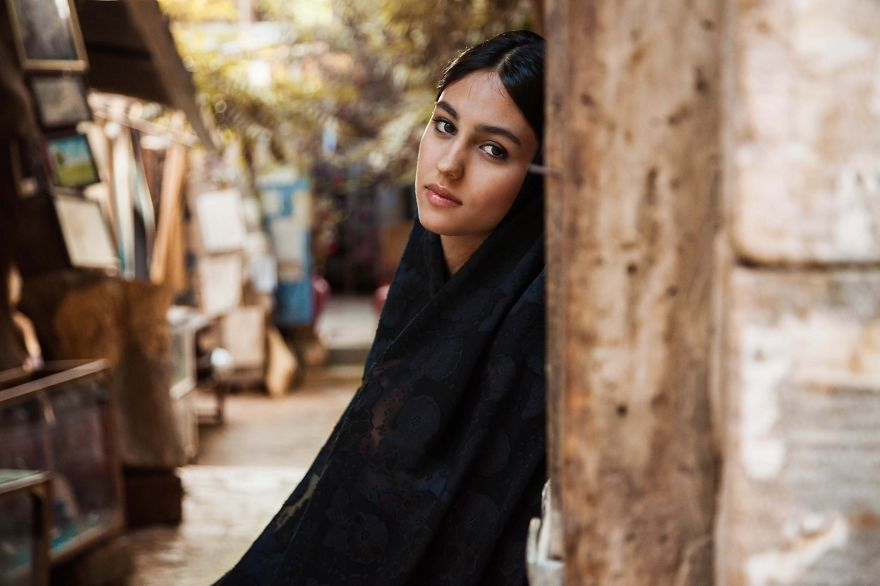 I-photographed-women-from-37-countries-to-show-that(1)