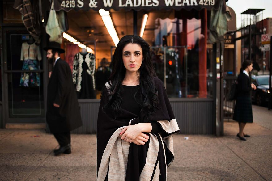 I-photographed-women-from-37-countries-to-show-that(7)