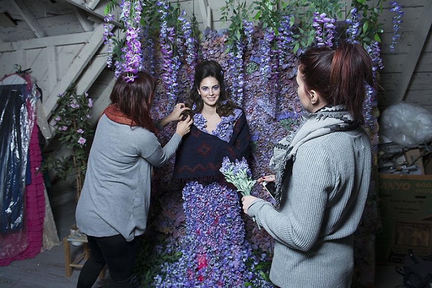 Photographer-create-stunning-fairytale-garden-(2)