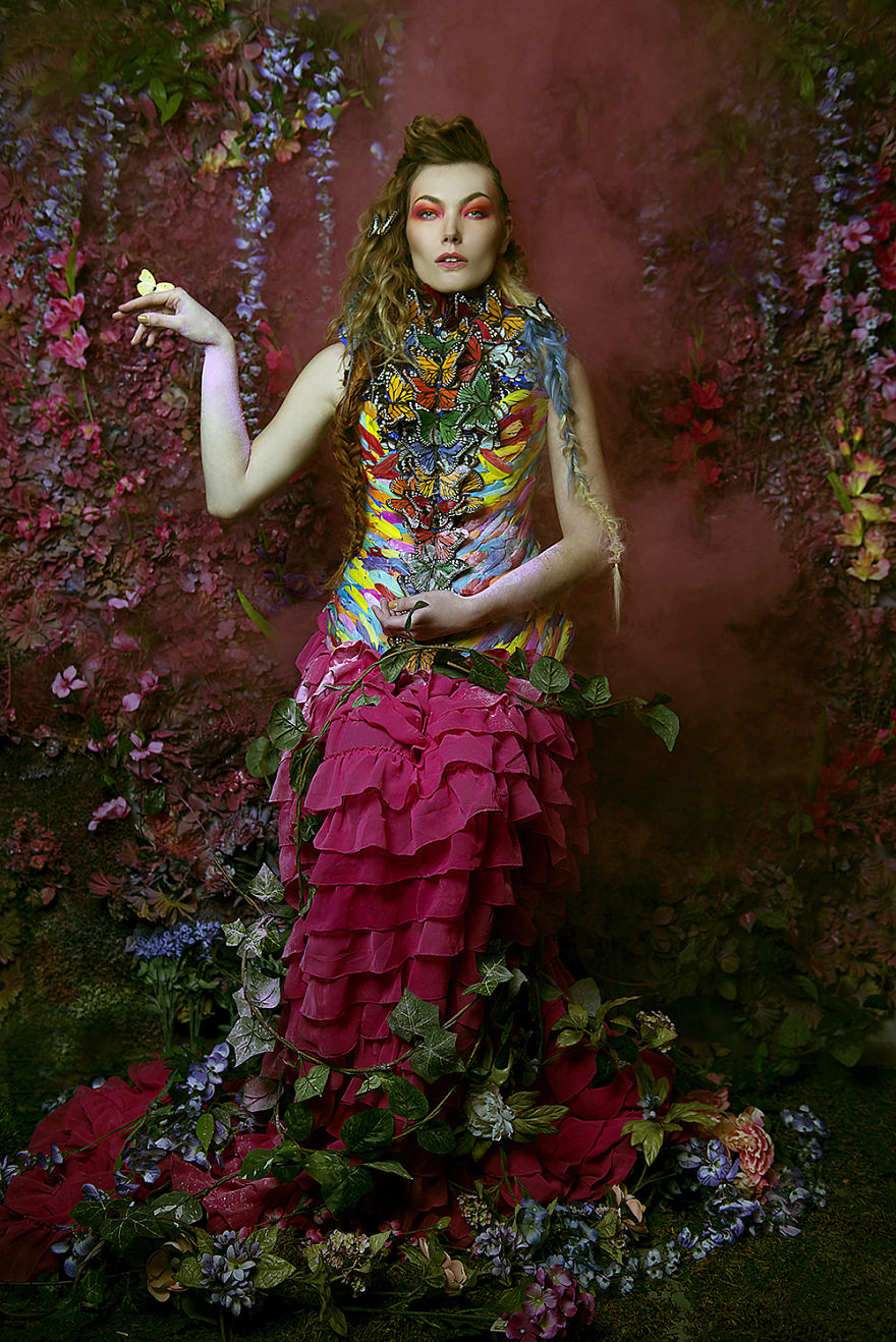 Photographer-create-stunning-fairytale-garden-in-sma