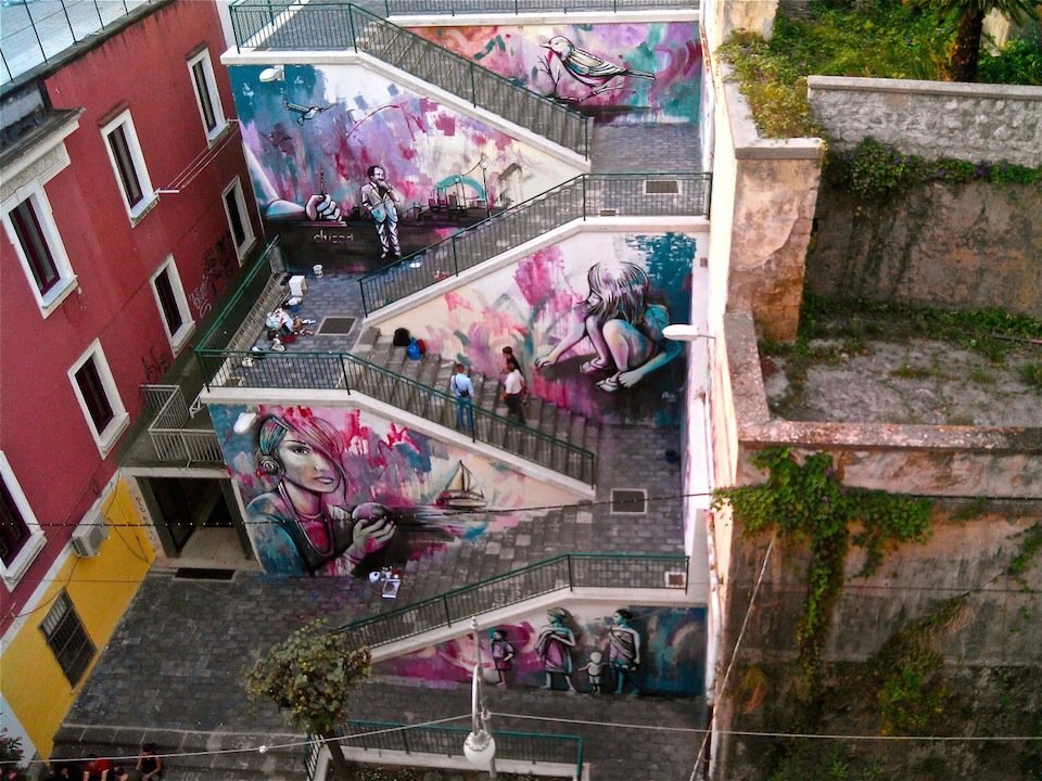 Street-Art-by-Alice-Pasquini-in-Salerno-Italy-3