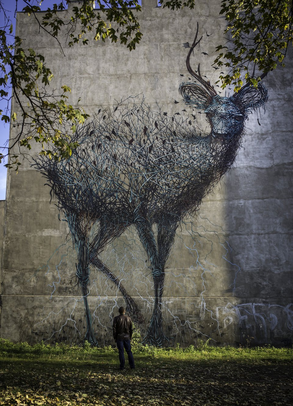 Street-Art-by-DALEAST-in-Lodz-Poland-in-for-Galeria-Urban-Forms-projec