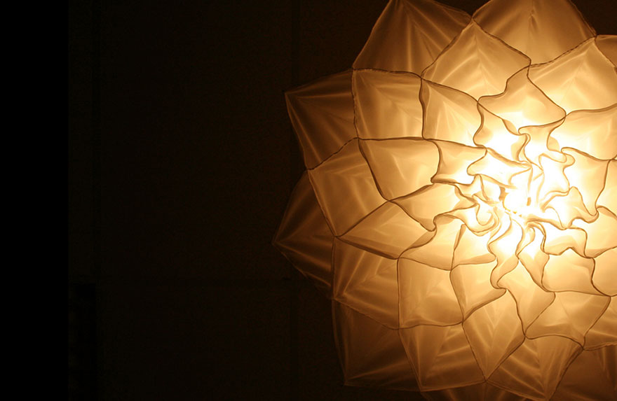 silk-flower-light-kinetic-sculpture-shylight-studio-drift-ri(1)
