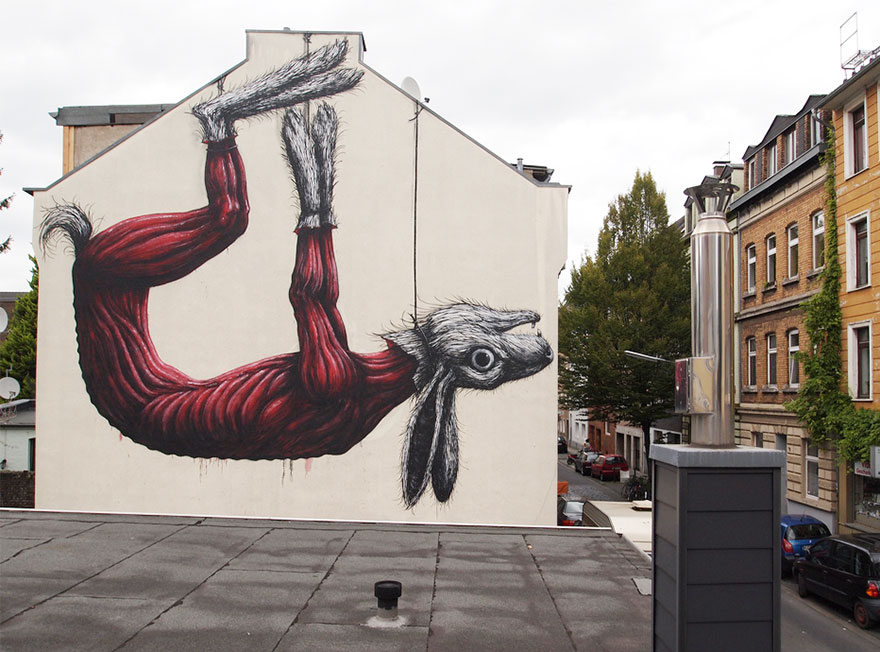 XX-Powerful-Street-Art-Pieces-That-Tell-The-Uncomfortable-Thruth16__880