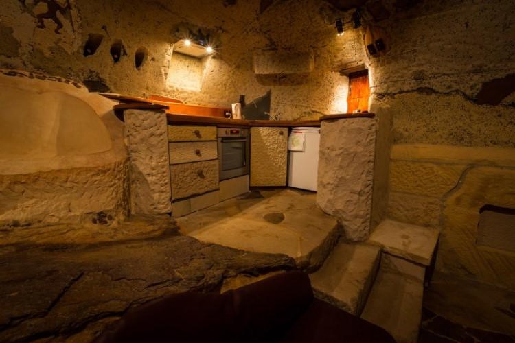 lionel-buckett-clifftop-cave-wollemi-blue-mountains-16