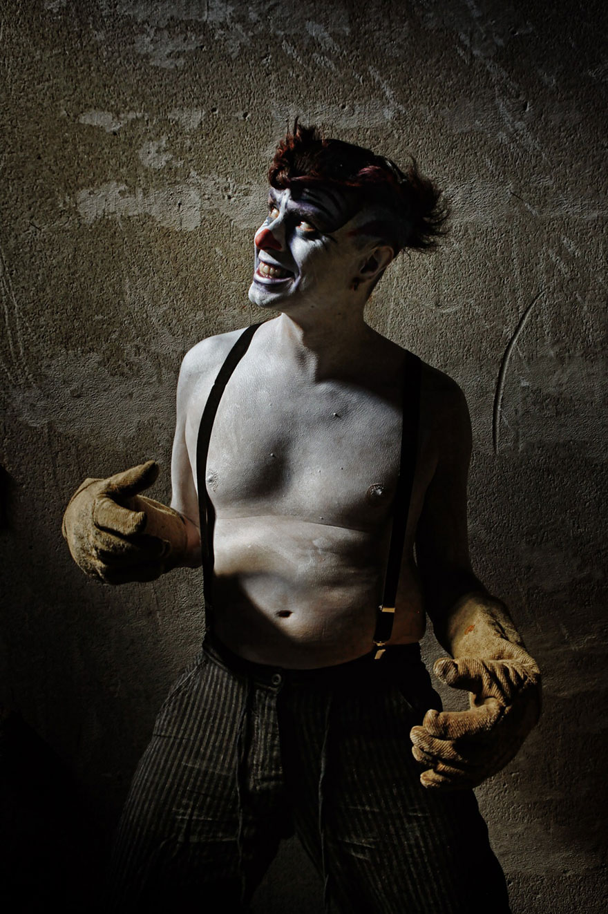 macabre-scary-clown-portraits-photography-clownville-eolo-perfid(10)