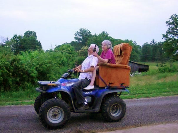 old-couples-having-fun-7__605