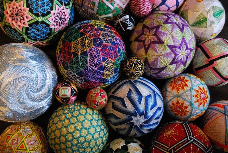 embroidered-temari-balls-japan-1