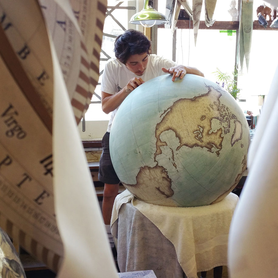 hand-made-classical-globes-peter-bellerby-globemakers-14