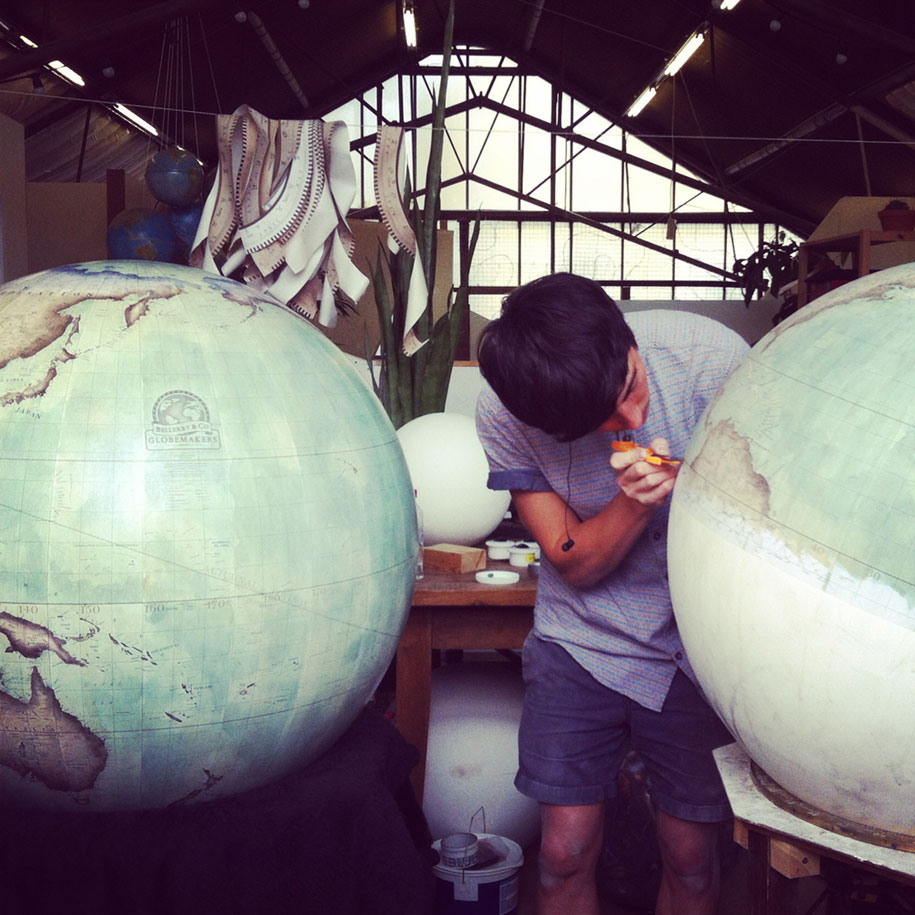 hand-made-classical-globes-peter-bellerby-globemakers-17