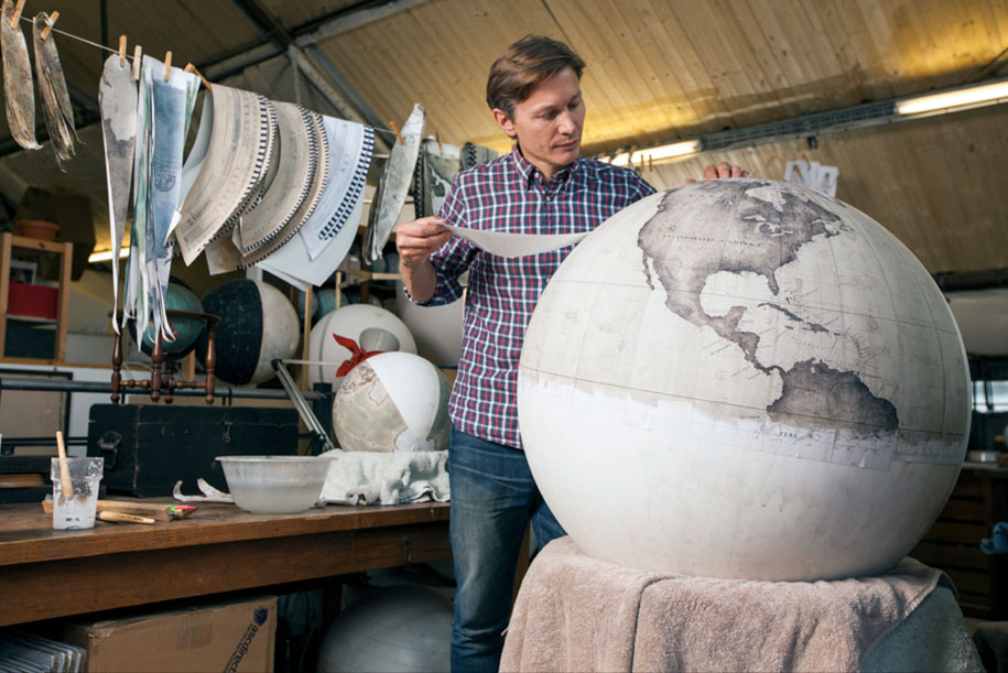 hand-made-classical-globes-peter-bellerby-globemakers-3
