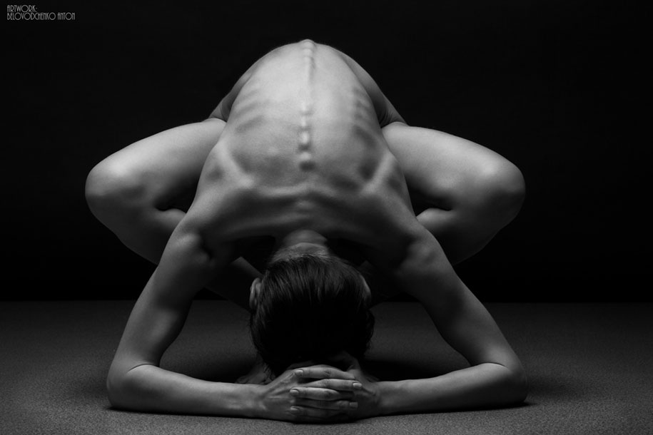 women-posing-bodyscapes-anton-belvodchenko-311
