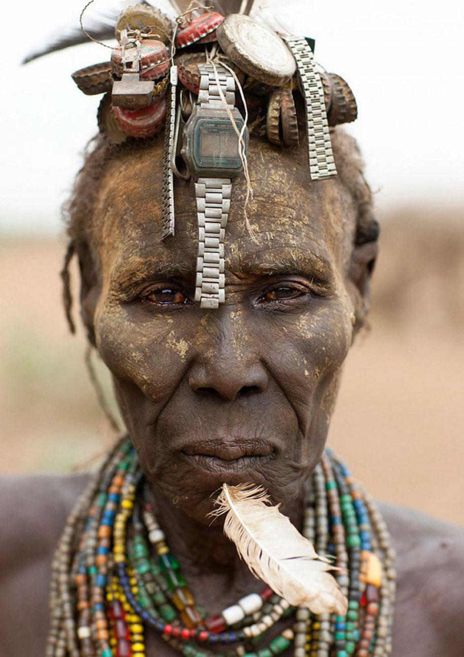 daasanach-tribe-recycled-headwear-eric-lafforgue-ethiopia-d