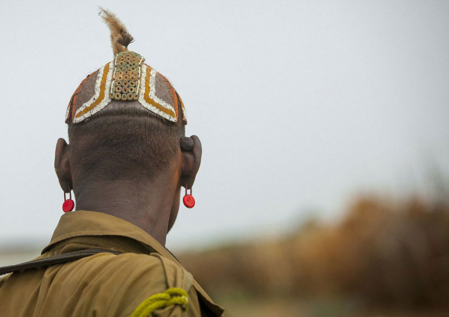 daasanach-tribe-recycled-headwear-eric-lafforgue-ethiopia-j