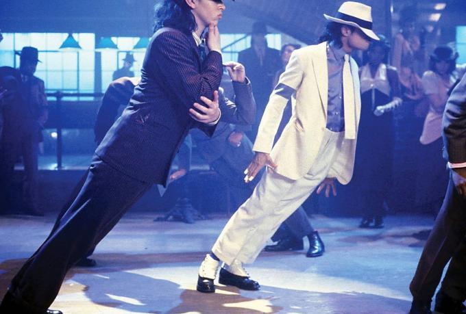 da92accdc5fcd The Secret Behind Michael Jackson s Anti-Gravity Lean Was Actually a ...