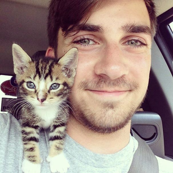 hot-dudes-with-kittens-instagram-42__605